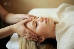 Kompleksinis veido-galvos, dekolte, plaštakų terapinis seansas
